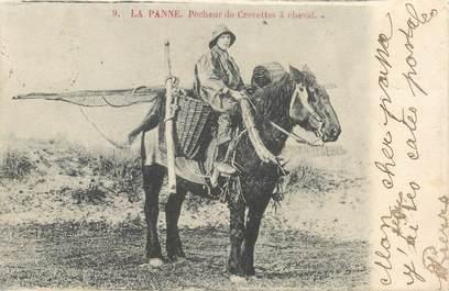 """CPA BELGIQUE """"La Panne, pêcheur de crevettes à cheval"""""""
