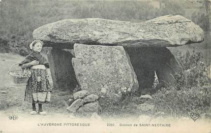 "CPA FRANCE 63 ""Saint Nectaire"" / FOLKLORE / MENHIR"