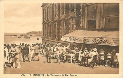 "/ CPA FRANCE 64 ""Biarritz, la terrasse et le bar basque"""