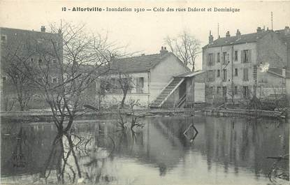 """CPA FRANCE 94 """"Alfortville, Inondations 1910, coin des rues Diderot et Dominique"""""""