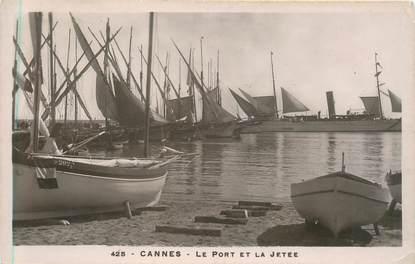 """CPA FRANCE 06 """"Cannes, le port et la Jetée"""""""