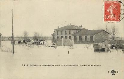 """CPA FRANCE 94 """"Alfortville, inondations 1910, L'Ile Saint Pierre, les Nouvelles Ecoles"""""""