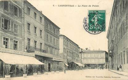 "CPA FRANCE 84 ""Carpentras, Place du Palais"""