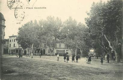 "CPA FRANCE 84 ""Cavaillon, Place Gambetta"""