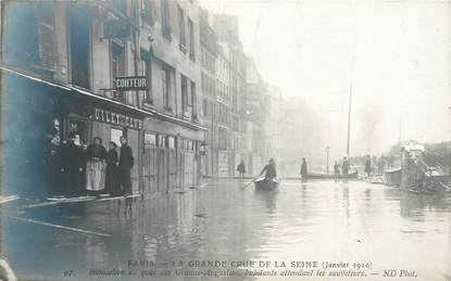 """CPA FRANCE 75006 """"Paris, la Grande crue de la Seine, 1910"""""""