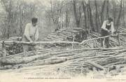 """89 Yonne CPA FRANCE 89 """"L'Exploitation des Bois en Bourgogne, L'Ecorçage à l'Atelier"""""""