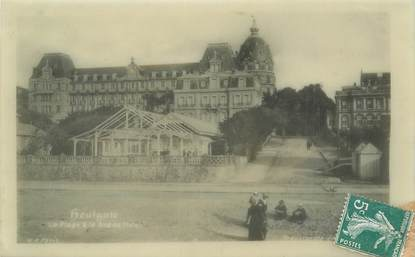 "CPA FRANCE 14 ""Houlgate, la plage et le grand Hotel"""" CARTE CELLULOID"
