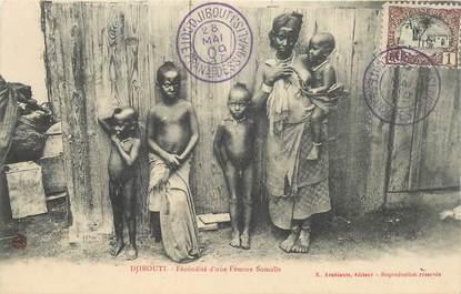 """CPA DJIBOUTI """"Femme de Somalie et ses enfants"""" / NU"""