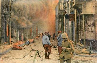 """CPA GRECE SALONIQUE """"Angle des rues Egnatia et Venizelos incendiée"""""""