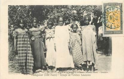"""CPA MADAGASCAR """"Groupe de femmes Sakalaves"""""""