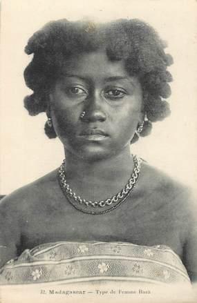 """CPA MADAGASCAR """"Type de femme Bara"""""""