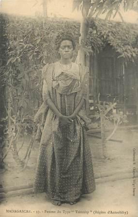 """CPA MADAGASCAR """"Femme Tsimiéty"""""""