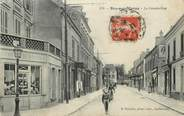 """94 Val De Marne / CPA FRANCE 94 """"Bry sur Marne, la grande rue"""""""