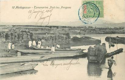 "CPA MADAGASCAR ""Tananarive, port des pirogues"""