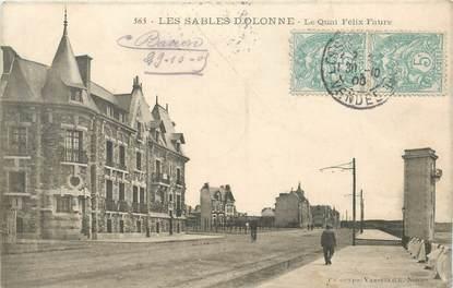 """CPA FRANCE 85 """"Sables d'Olonne, le quai Félix Faure"""""""