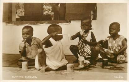 """CPA AFRIQUE """"Enfants faisant des bulles"""""""