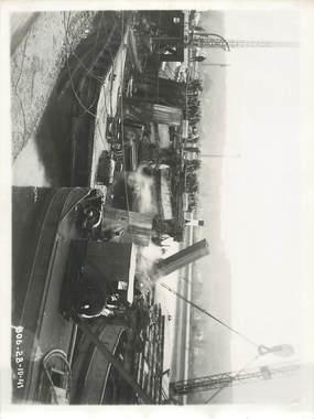 """LOT 8 PHOTOGRAPHIE ORIGINALE / FRANCE 76 """"Rouen, le port, relevage du ponton grue de 60 tonnes"""""""