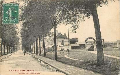 """CPA FRANCE 92 """"La Croix de Berny, rte de Versailles"""""""