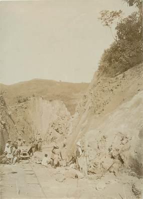 """PHOTOGRAPHIE ORIGINALE / MADAGASCAR """"Karabie, tranchée dans les rocheuses"""""""