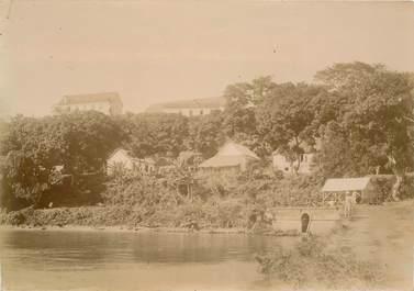 """PHOTOGRAPHIE ORIGINALE / MADAGASCAR """"Sainte Marie, les casernes et la mission catholique"""""""