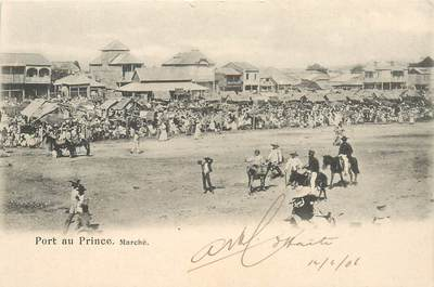"CPA HAITI ""Port au Prince, le marché"""