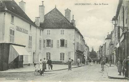 "/ CPA FRANCE 88 ""Neufchateau, rue de France"""