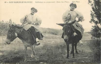 """/ CPA FRANCE 85 """"Les Sables d'Olonne"""" / ÂNE"""
