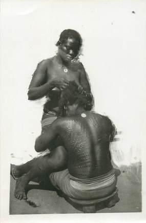 CPA / PHOTOGRAPHIE AFRIQUE / NU / SCARIFICATION