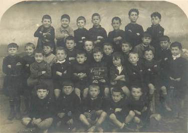 "CPA / CARTE PHOTO FRANCE 83 ""Vidauban, Ecole 1927"""
