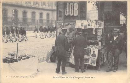 """CPA FRANCE PARIS / PARIS VECU """"Kiosque à Journaux"""""""