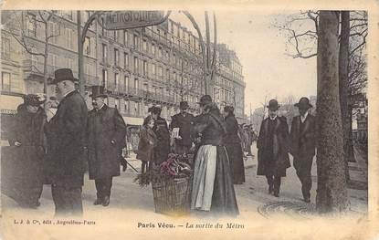 """CPA FRANCE PARIS / PARIS VECU """"La Sortie du Métro"""""""