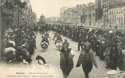 """/ CPA FRANCE 35 """"Rennes, fête des fleurs 1910, coqs trainant des oeufs"""""""