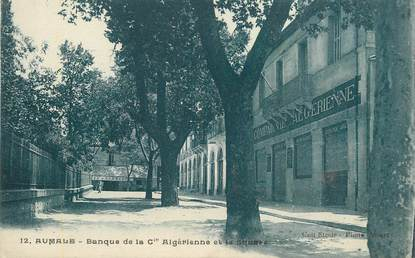 """CPA ALGERIE """"Aumale, Banque de la Cie Algérienne et le square"""""""