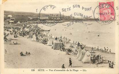 """CPA FRANCE 34 """"Sète, vue d'ensemble de la plage"""""""