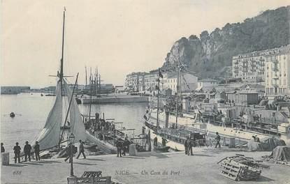 "CPA FRANCE 06 ""Nice, Un coin du Port"""