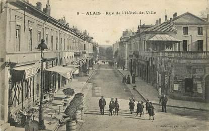 """CPA FRANCE 30 """"Alais / Alès, rue de l'Hôtel de ville"""""""