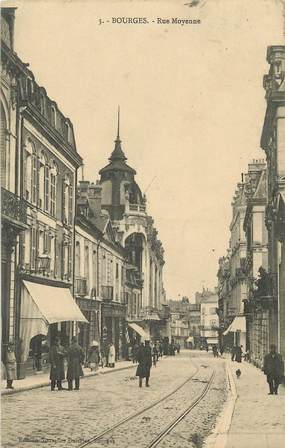 "CPA FRANCE 18 ""Bourges, rue Moyenne"""