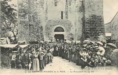 "CPA FRANCE 13 ""Saintes Maries de la Mer, Procession du 24 mai"""