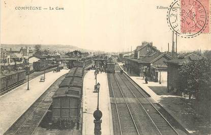 "CPA FRANCE 60 ""Compiègne, la gare"" / TRAIN"