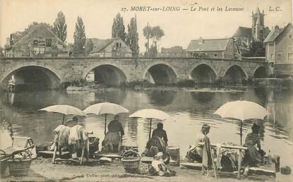 """CPA FRANCE 77 """"Moret sur loing, le Pont et les laveuses"""""""
