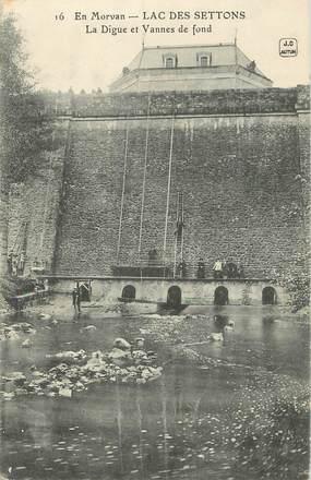 """/ CPA FRANCE 58 """"Lac des Settons, la digue et vannes de fond'"""