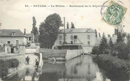 """/ CPA FRANCE 58 """"Nevers, bld de la république"""""""