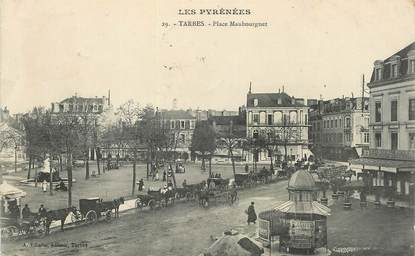 """CPA FRANCE 65 """"Tarbes, Place Maubourguet"""""""