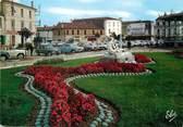 """47 Lot Et Garonne / CPSM FRANCE 47 """"Marmande, le jardin et la célèbre statue du Printemps de la vie"""""""