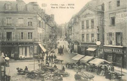 """CPA FRANCE 19 """"Brive, rue de l'Hotel de ville """""""