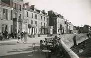 "14 Calvado / CPSM FRANCE 14 ""Arromanches les Bains, port de la libération, la digue"""