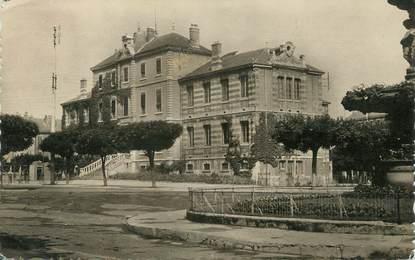 """/ CPSM FRANCE 01 """"Bourg, institut Carriat"""""""
