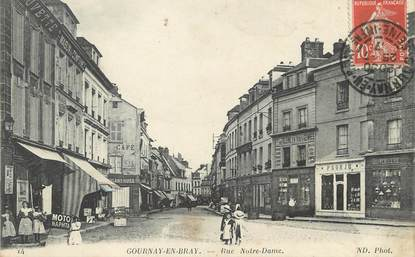 "/ CPA FRANCE 76 ""Gournay en Bray, rue Notre Dame"""