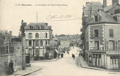 """/ CPA FRANCE 53 """"Mayenne, le carrefour du Parvis Notre Dame"""""""