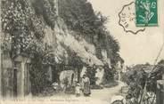 """37 Indre Et Loire / CPA FRANCE 37 """"Vouvray, les Patys, habitations Troglodytes"""""""